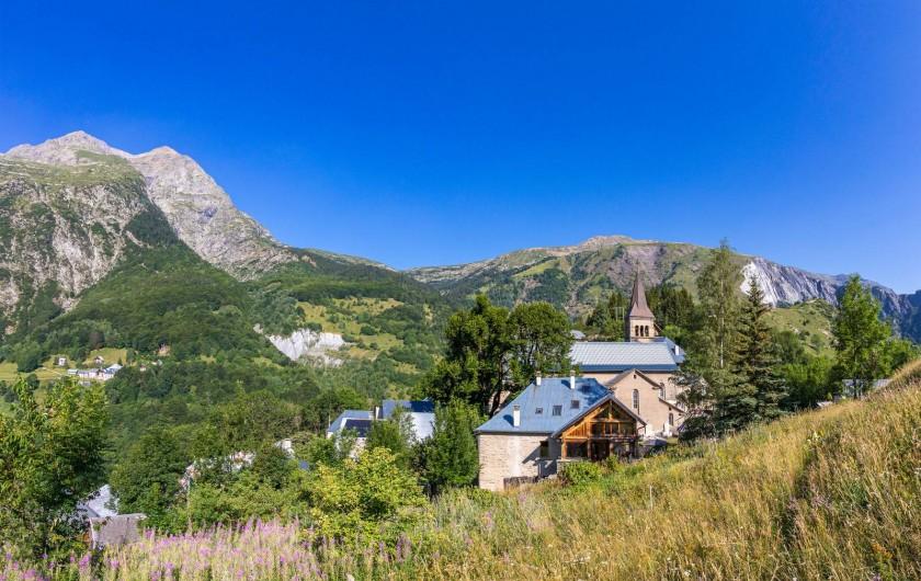 Location de vacances - Gîte à Ornon - Le gîte et  vue sur le Plateau du Taillefer
