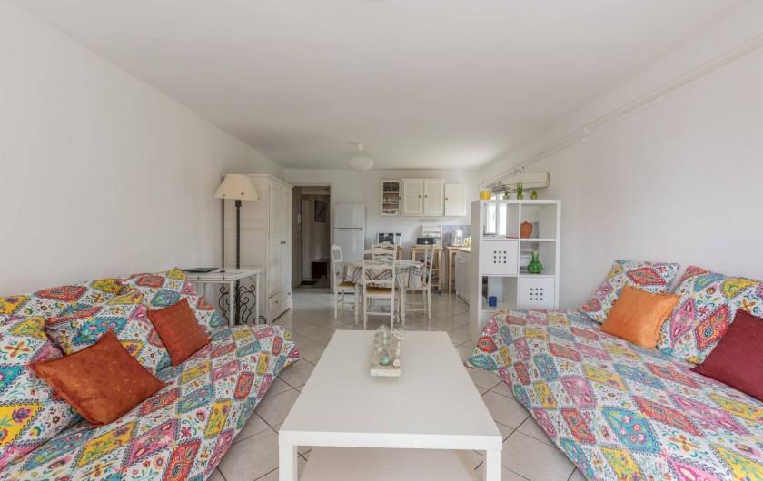 Location de vacances - Appartement à Saint-Jean-de-Fos - la pièce a vivre
