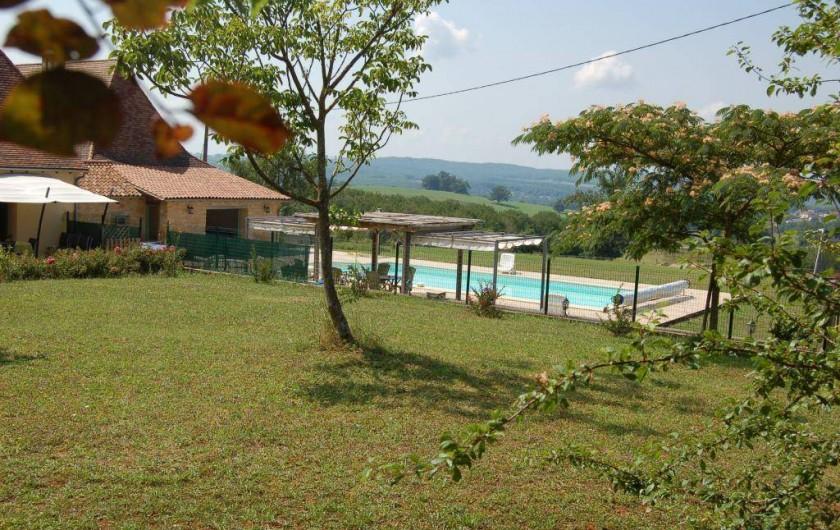 Location de vacances - Gîte à Saint-Médard-d'Excideuil - Le Jardin du gîte Les Figuiers