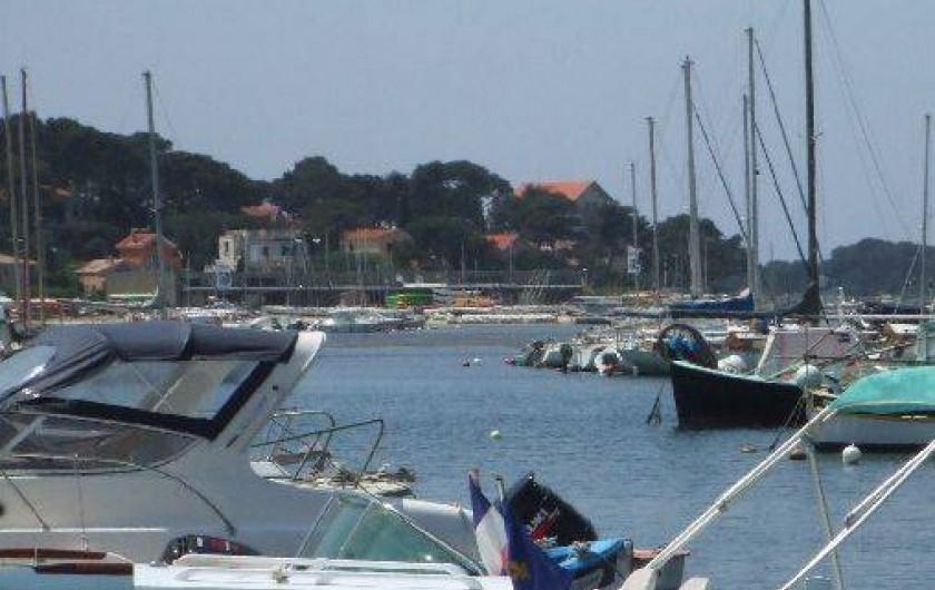 Location de vacances - Appartement à Six-Fours-les-Plages - Le port