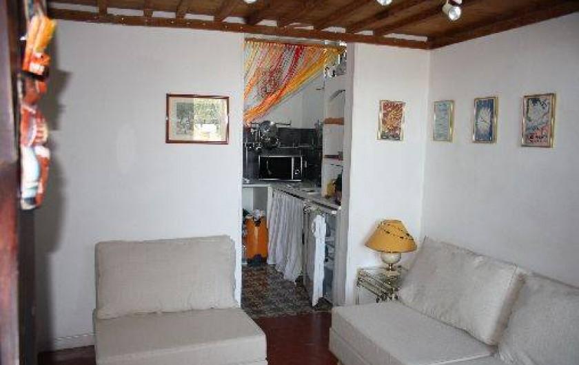 Location de vacances - Appartement à Six-Fours-les-Plages - Salon 1