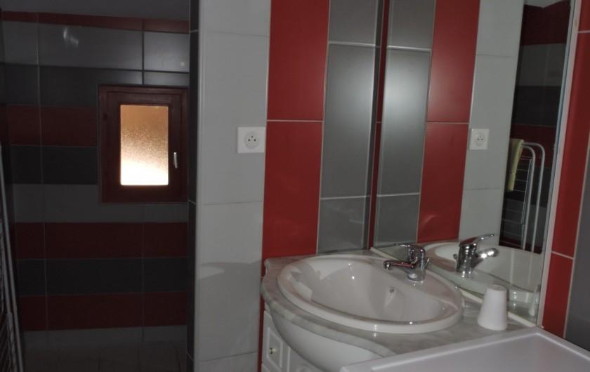 Location de vacances - Appartement à Divajeu - la salle d'eau