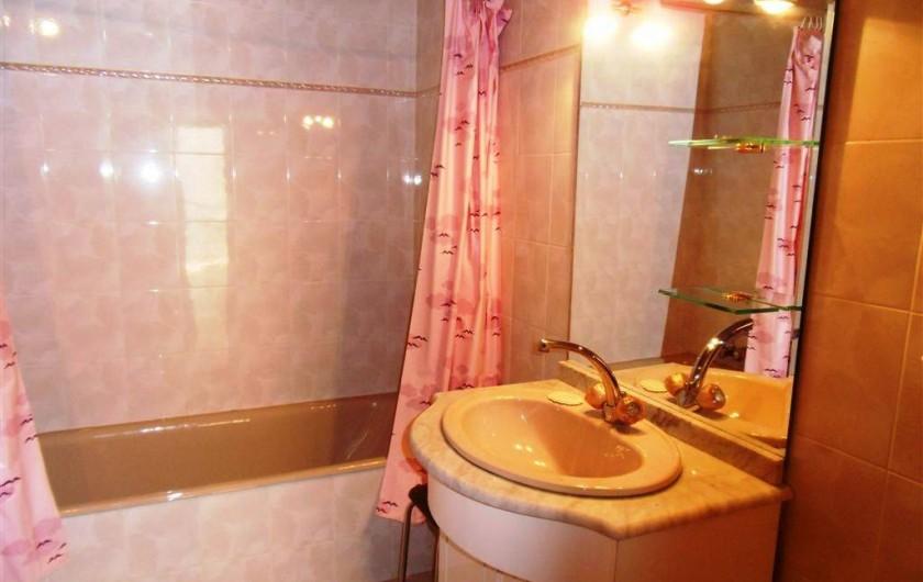 Location de vacances - Gîte à Cordes-sur-Ciel - La salle de bain