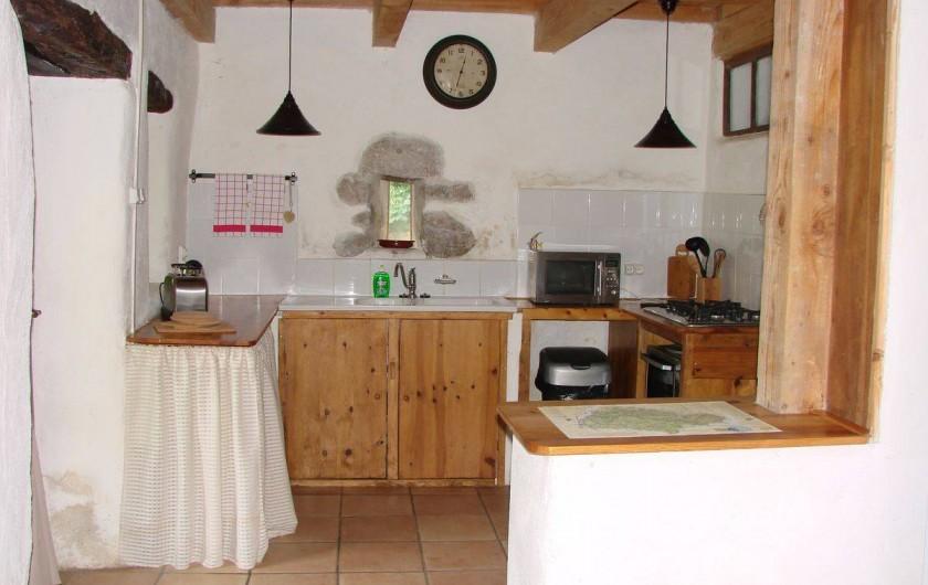 Location de vacances - Gîte à Vernoux-en-Vivarais - La grande maison (cuisine)