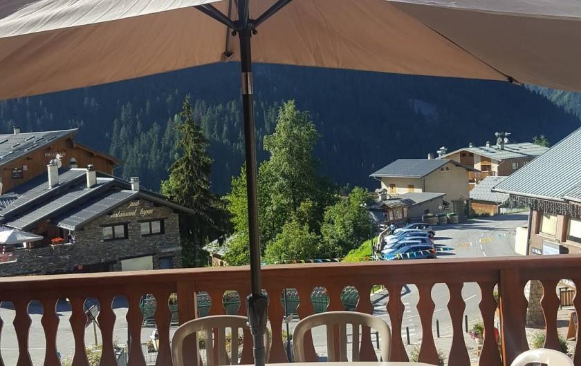 Location de vacances - Appartement à Champagny-en-Vanoise - Terrasse exposée plein sud.