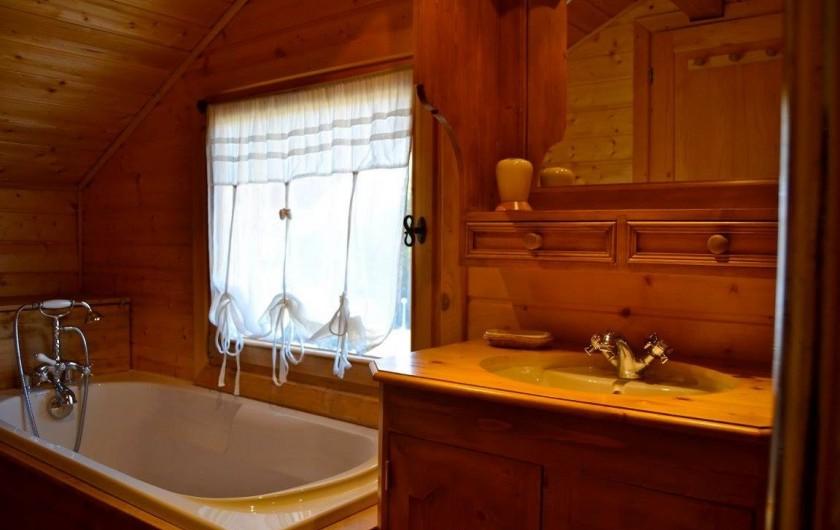 Location de vacances - Chalet à La Joue du Loup - SDB  BAIGNOIRE & DOUCHE ITALIENNE  WC