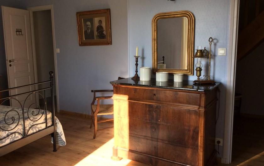 Location de vacances - Gîte à Cournanel - Chambre 2 avec douche attenante, lit 160  Gîte Alphonse
