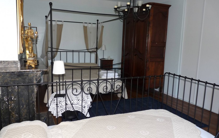 Location de vacances - Gîte à Cournanel - Chambre 3  Gîte adèle lit en 160 et un petit lit en 90 , douche attenante