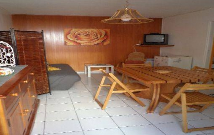Location de vacances - Maison - Villa à Port-la-Nouvelle - salle a manger et coin salon