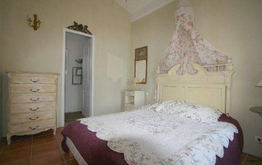 Location de vacances - Mas à Clansayes - chambre rez de jardin avec salle d'eau