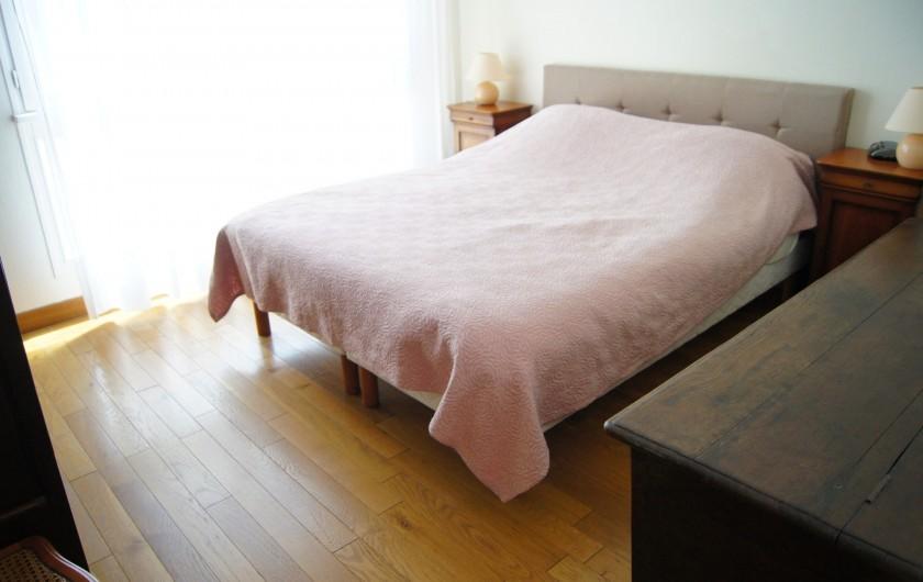 Location de vacances - Appartement à Saint-Malo - Chambre parents (lit 160x200)