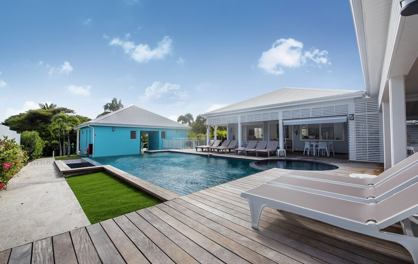Location de vacances - Hôtel - Auberge à Saint-François - la piscine
