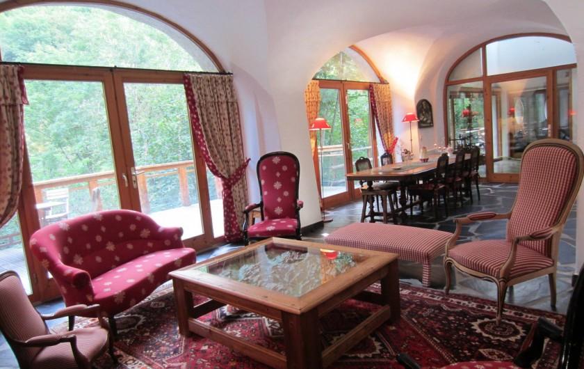 Location de vacances - Chalet à Oz - salle voûtée coin salon