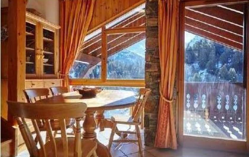 Location de vacances - Appartement à Méribel - SALLE à MANGER vus sur MONT VALLON parc VANOISE