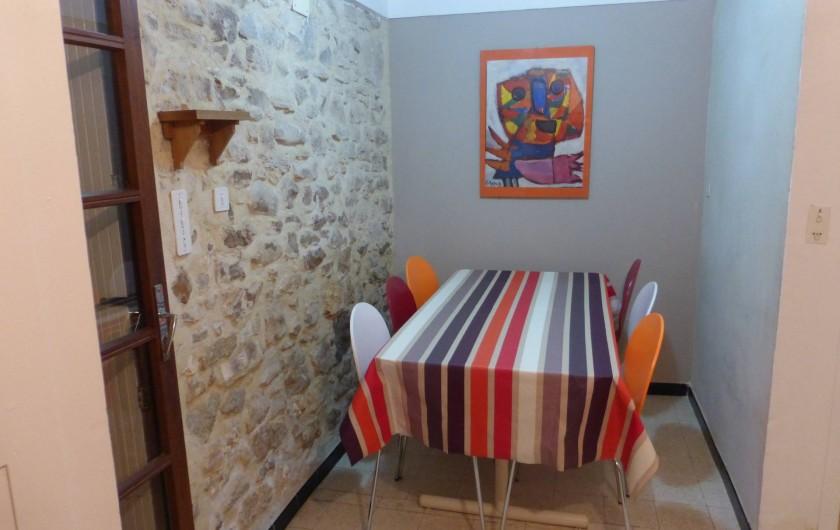 Location de vacances - Mas à Saint-Maurice-de-Cazevieille - Cuisine coin repas