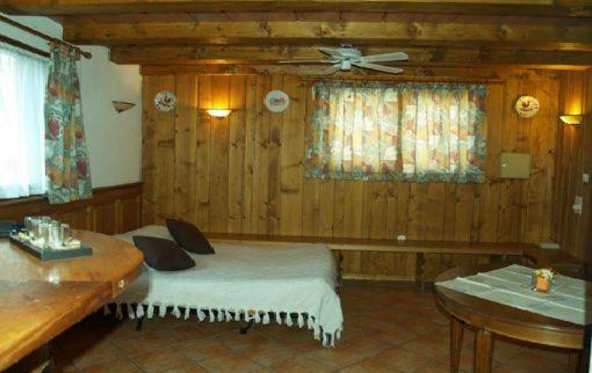 Location de vacances - Maison - Villa à Saint-Hippolyte - salle d'acceuil servant de 2ème chambre
