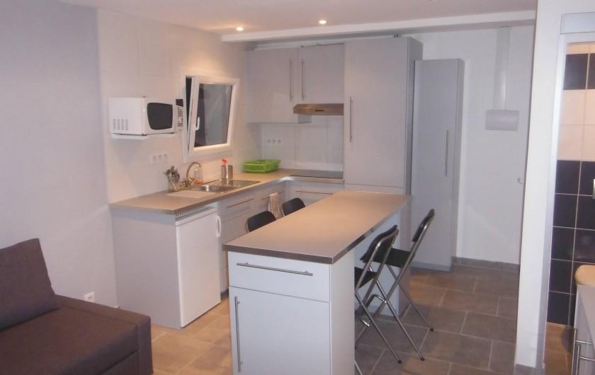 Location de vacances - Appartement à Tossa de Mar - CUISINE DONNANT SUR SALLE