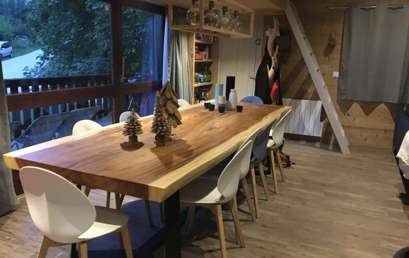 Location de vacances - Chalet à Les Avanchers-Valmorel - salle à manger  , grande table conviviale
