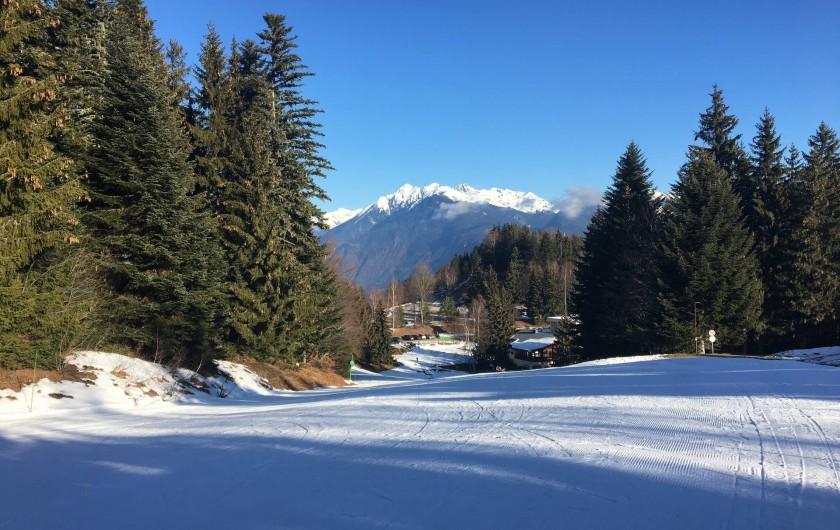 Location de vacances - Chalet à Les Avanchers-Valmorel - départ de la piste menant au télésièges