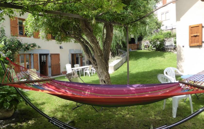Location de vacances - Chambre d'hôtes à Oris-en-Rattier - détente dans le hamac