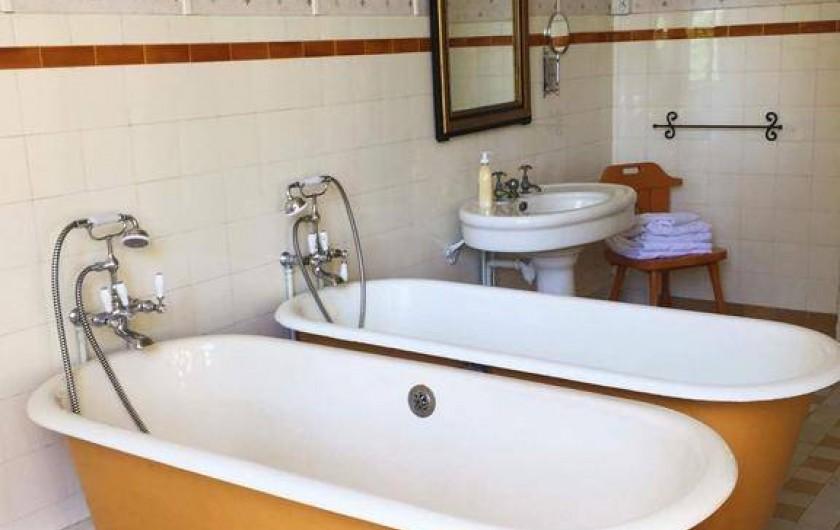 Location de vacances - Chambre d'hôtes à Bessines-sur-Gartempe - Bathroom chambre de Aubergine