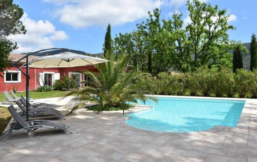 Location de vacances - Villa à Bargemon - Piscine 67 m² traitée au sel pour votre plus grand confort. Bar