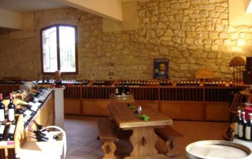 Location de vacances - Gîte à Le Crès - Caveau pour dégustation de vin du domaine