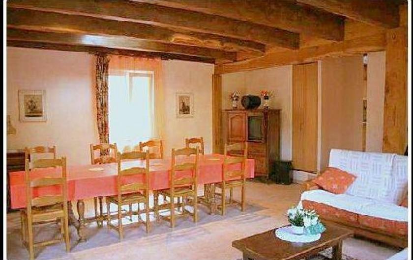 Location de vacances - Gîte à Villecomtal - coin repas