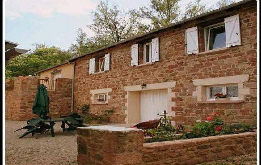 Location de vacances - Gîte à Villecomtal - vu des chambres
