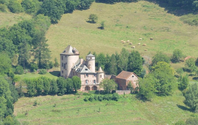 Location de vacances - Gîte à Villecomtal - autour du village