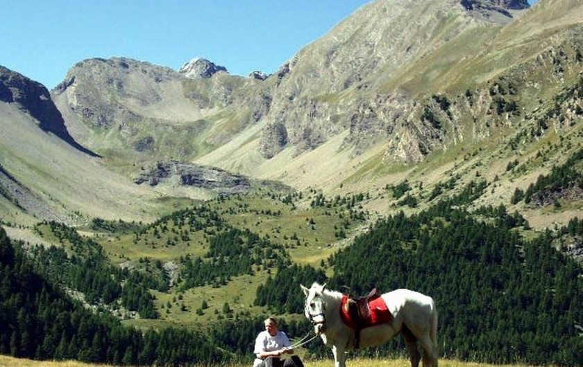 Location de vacances - Villa à Embrun - Départ de promenades à cheval à 3 Km