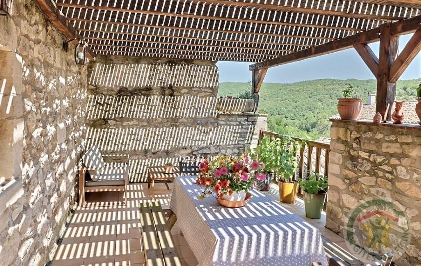 Location de vacances - Gîte à Tharaux - terrasse gîte de la lune