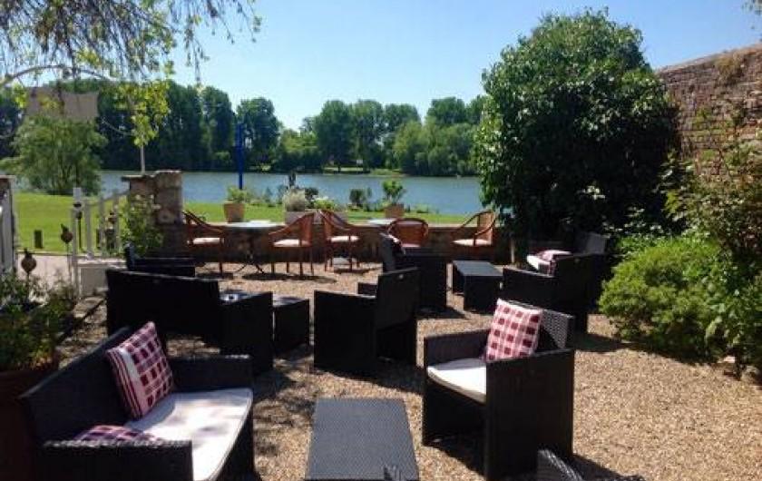 Location de vacances - Chambre d'hôtes à Les Andelys - Vue sur la Seine depuis la terrasse