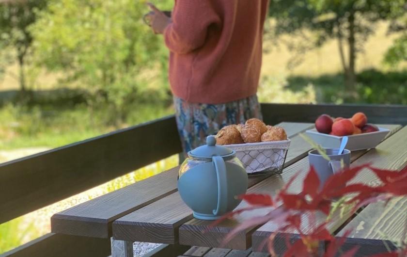 Location de vacances - Chalet à La Bresse - Petit déjeuner en terrasse ...