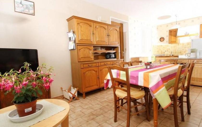Location de vacances - Gîte à Saint-Étienne-de-Serre - Salon et coin TV