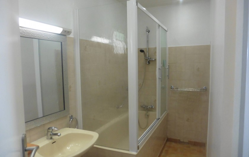 Location de vacances - Appartement à Le Grau d'Agde - salle de bain