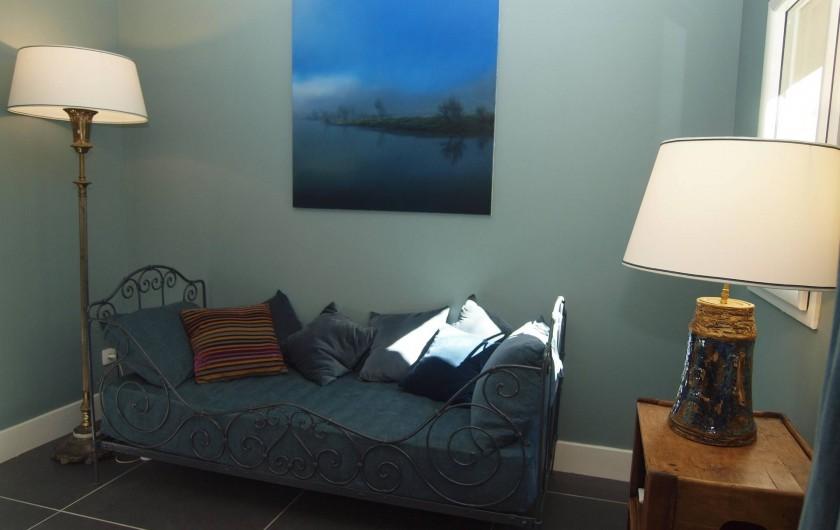Location de vacances - Appartement à Sète - Partie salon de la chambre La Corniche