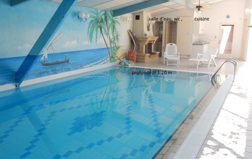 Location de vacances - Villa à Orange - piscine équipées salle d'eau et WC