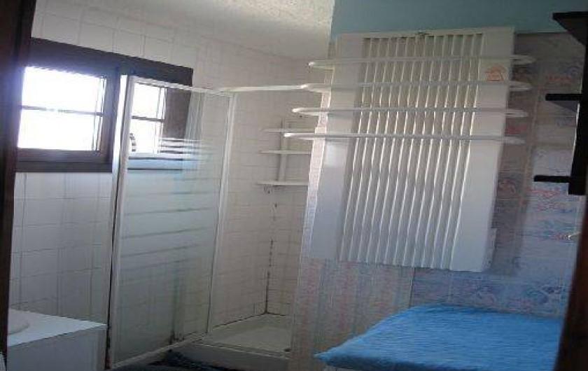 Location de vacances - Appartement à Six-Fours-les-Plages - salle de bains