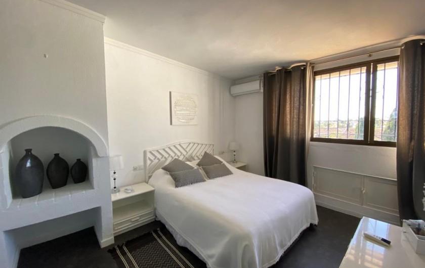 Location de vacances - Villa à Estepona - CHAMBRE SUITE PARENTALE
