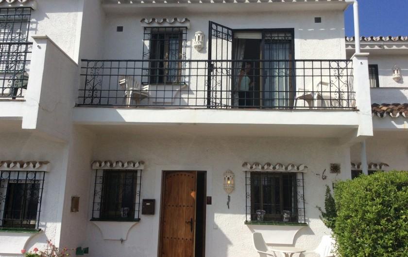 Location de vacances - Villa à Estepona - ENTREE PARKING PRIVE  DEVANT LA MAISON