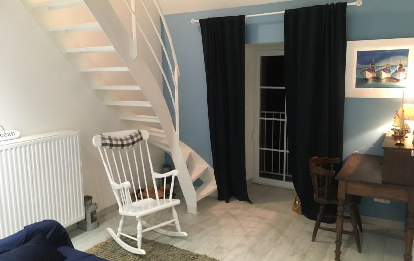 Location de vacances - Gîte à La Rouquette - Escalier de la mezzanine de la chambre Océan