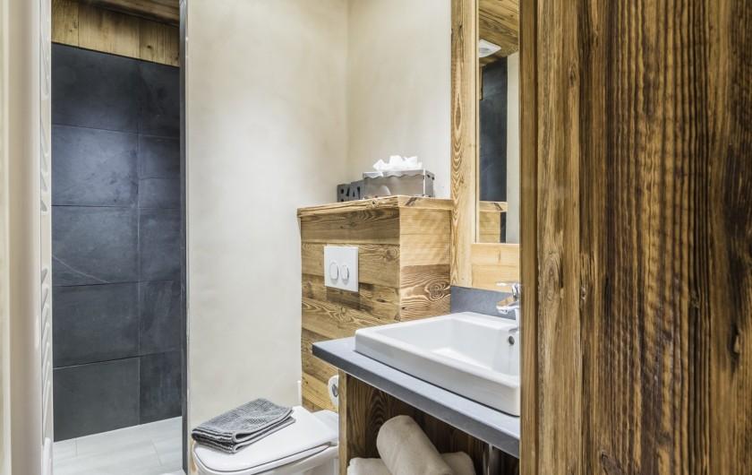 Location de vacances - Chalet à Sainte-Foy-Tarentaise - Le Refuge - Salle d'eau
