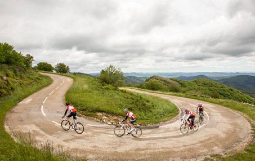 Location de vacances - Gîte à Castanet-le-Haut - Prévoyez un séjour cyclisme de 6 à 8 personnes