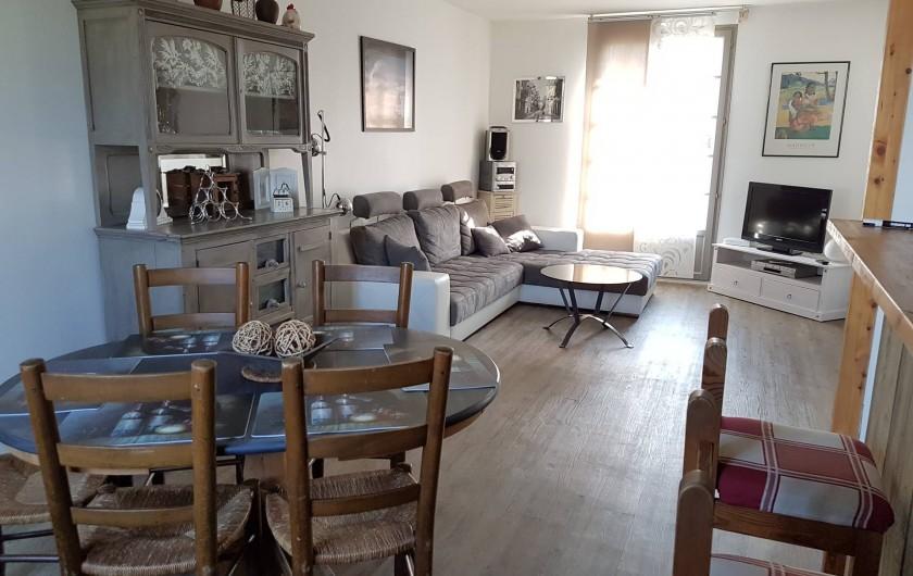 Location de vacances - Maison - Villa à Pluduno - vaste salon lumineux