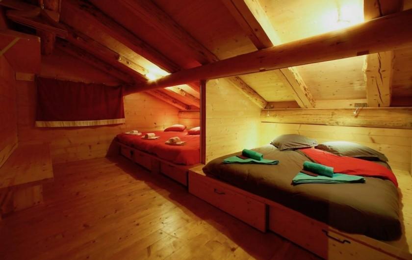 Location de vacances - Chalet à Manigod - chambre Beauregard: 5 lits 90 ou 3 lits 90 + 1 lit 180 ou 2 lits 180 + 1 lit 90