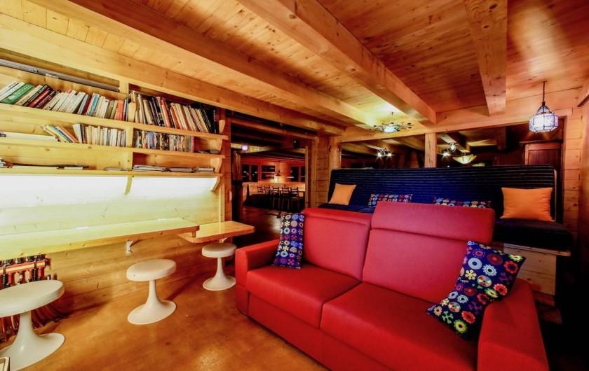 Location de vacances - Chalet à Manigod - home cinéma avec un écran plasma full HD.