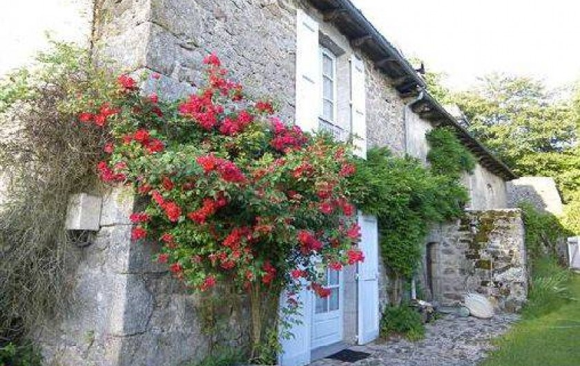 Location de vacances - Chambre d'hôtes à Marcolès - Façade Sud