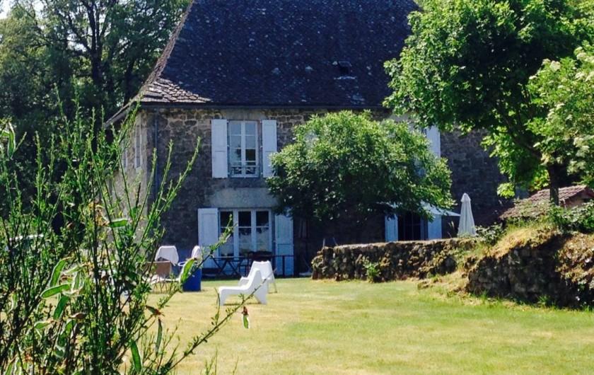 Location de vacances - Chambre d'hôtes à Marcolès - Façade ouest