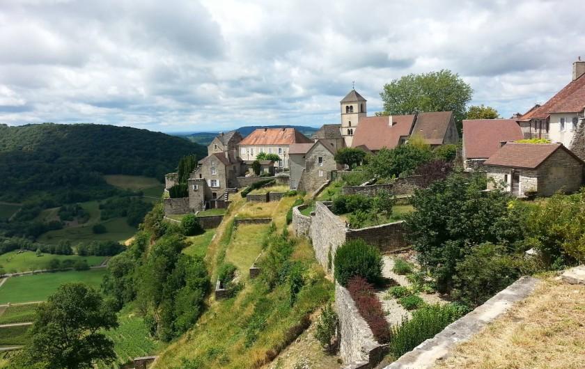 Location de vacances - Appartement à La Cluse-et-Mijoux - Chateau-Chalons un haut lieu des grands vins du Jura